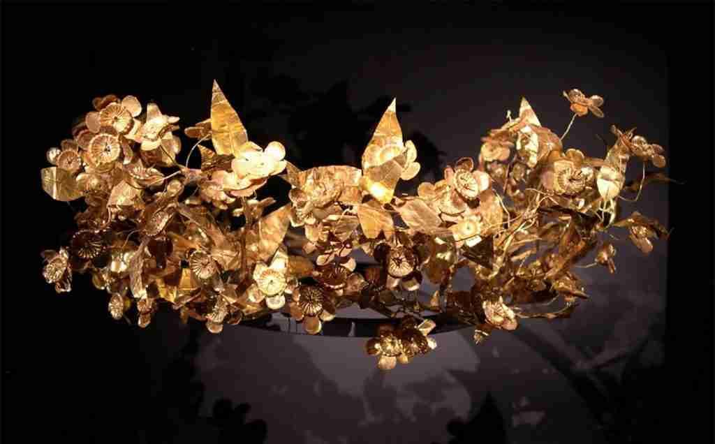 Greek crown, corona greca